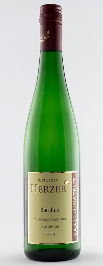 Naumburger Steinmeister Bacchus fruchtig Weinflasche